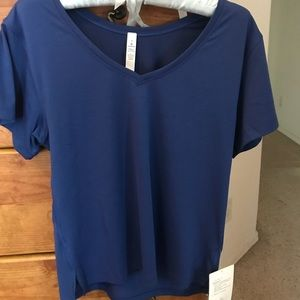 lululemon athletica t-shirt